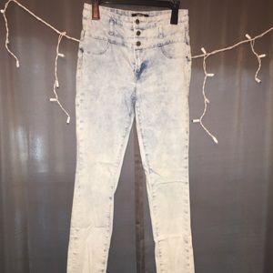 Denim - White-Washed Jeans